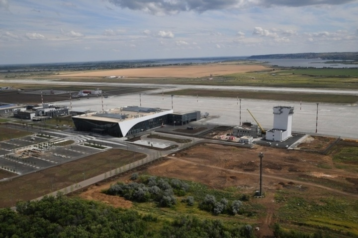 Gagarin Runway. Участникам и зрителям забега в новом аэропорту предложат бесплатные мороженое квас и армейскую кашу